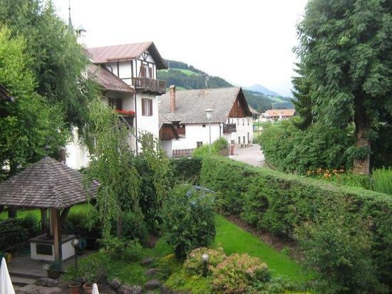 Hotel Ristorante Messnerwirt: Vista dal balcone
