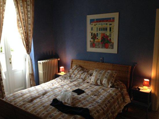 La Villa del Lago : letto