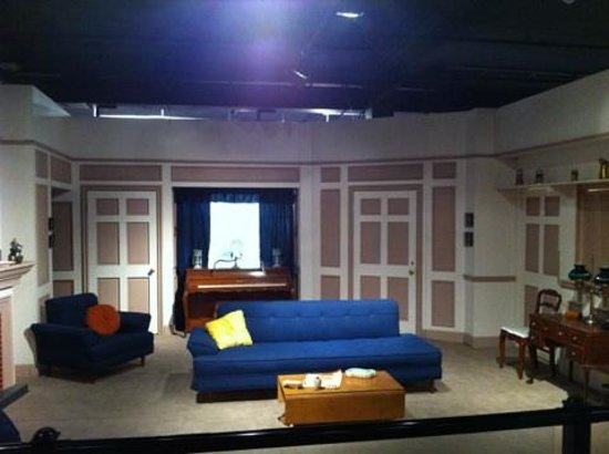 Lucille Ball Desi Arnaz Museum: See the Ricardo's livingroom from I Love Lucy