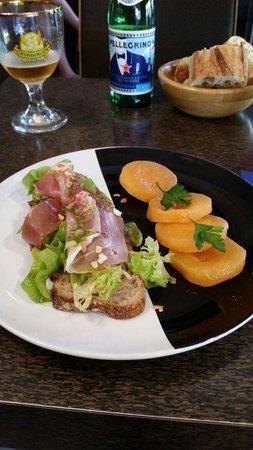 Bac: Melon et Jambon Cérano.