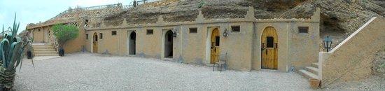 Kasbah Tizzarouine : fachada habitaciones