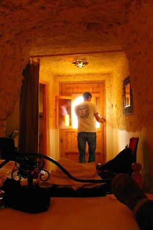 Kasbah Tizzarouine : Habitaciones LAS TROGLODITAS