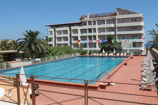 Grand Hotel President: piscina