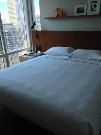 Hyatt Centric Times Square New York: ベッドルーム