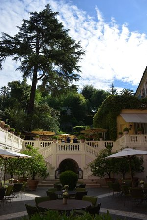 Hotel De Russie: From the terrace level in the morning.