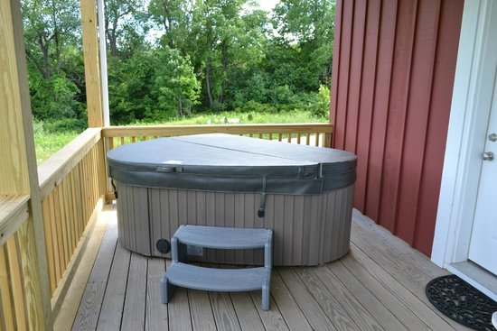 Mountain Horse Farm B&B and Wellness Retreat: Private jacuzzi