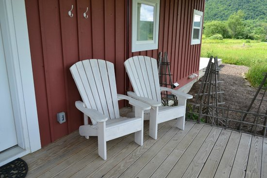 Mountain Horse Farm: Our deck