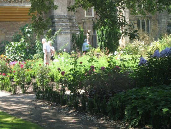 The Bishop's Palace and Gardens : beautiful gardens