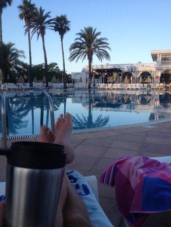 Grupotel Mar de Menorca: morning coffee by the pool :-)