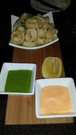 District American Kitchen & Wine Bar : Great Calamari