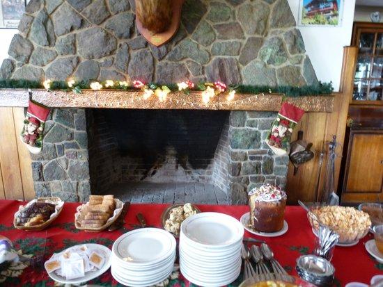Hotel & Resort La Cumbrecita: La mesa del desayuno