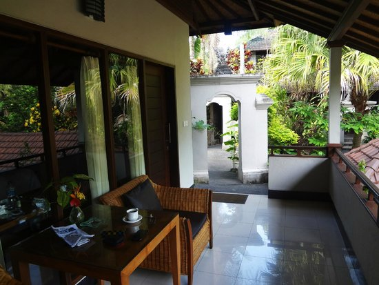 Bali Spirit Hotel and Spa: Tantra Suite porch - Legong rooms are great too!