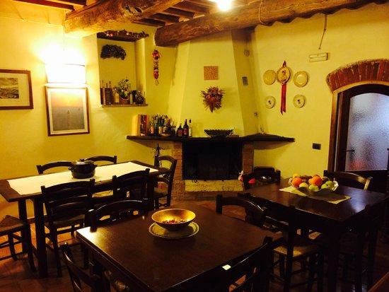 Az agr la vecchia camera san giovanni d 39 asso italien for Sala pranzo vecchia