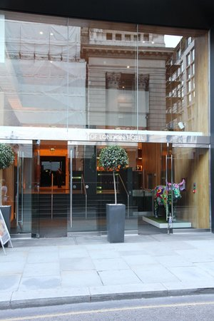 Apex City of London Hotel: Esterno