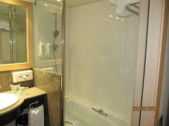 Holiday Inn Andorra: Ducha