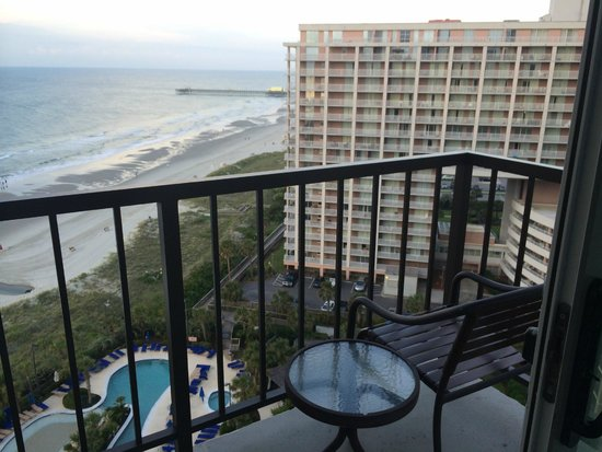 Hilton Myrtle Beach Resort: King Oceanview Suite Room 1525 - Front balcony (living room)