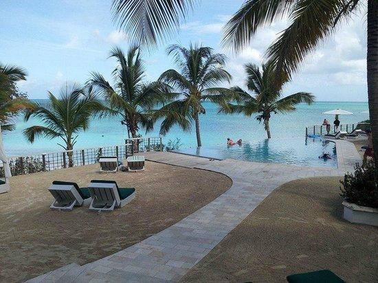 Cocobay Resort: piscina comune
