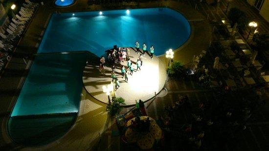 Hotel Valverde & Residenza: Spettacolo di ballerini