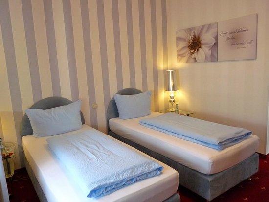 Hotel Geissler: Doppelzimmer mit getrennten Betten