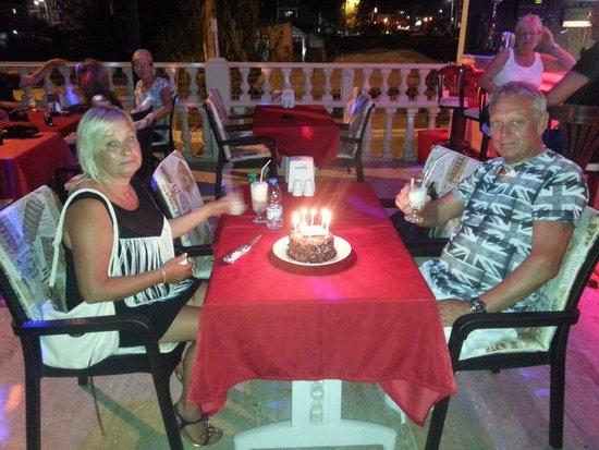 Ozturk Apart : anniversary cake gift from staff