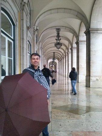 Holiday Inn Lisbon: Meu marido!!