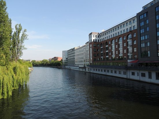 GOLD INN Adrema Hotel: Ufer