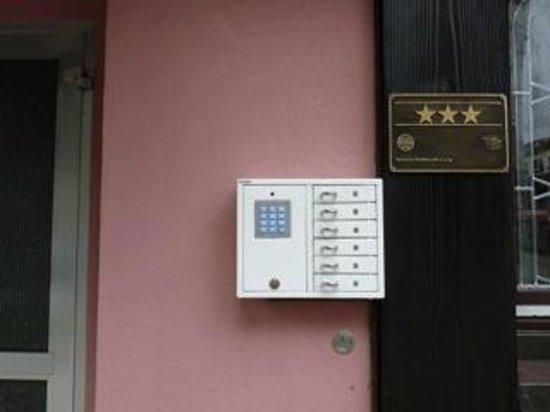 Hotel Geissler: unsere Schlüsselbox für flexible Anreisezeiten