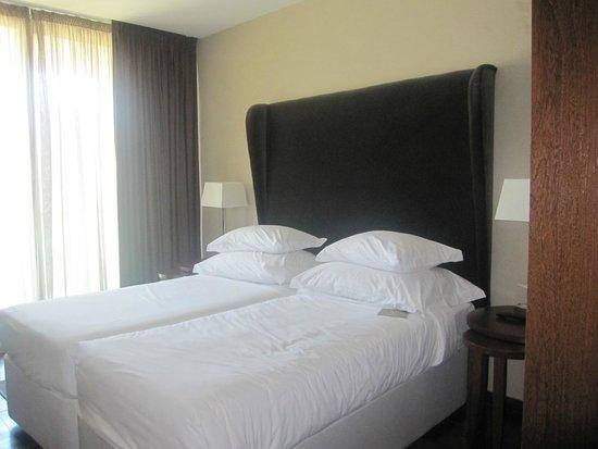 Salgados Palm Village Apartments & Suites: Quarto de casal apartamento
