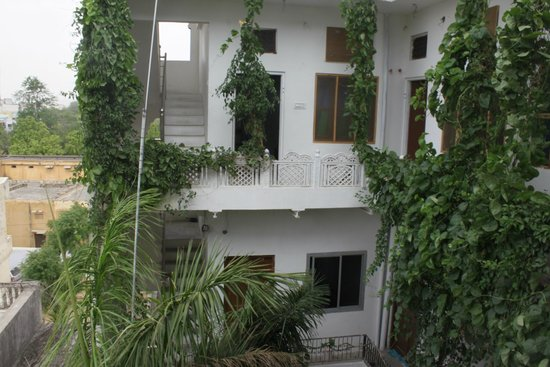 Atithi Guest House Pushkar: The Court Yard