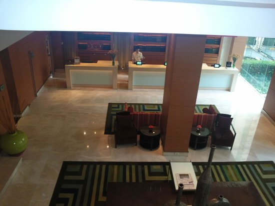 Courtyard by Marriott Bangkok: ресепшен