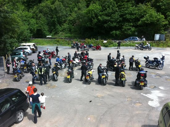 Conwy Falls Cafe : Happy group of Motorbikers