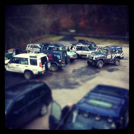 Conwy Falls Cafe : Landrovers enjoy a pitstop