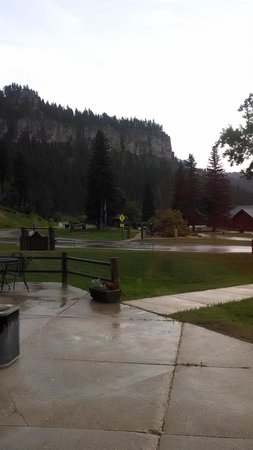 Spearfish Canyon Lodge: Beautiful even after a thunderstorm!