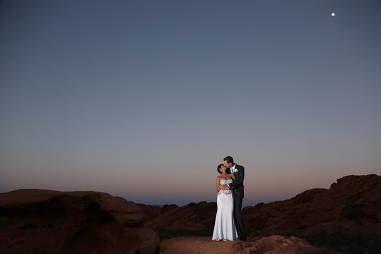 Scenic Las Vegas Weddings Chapel: Moon