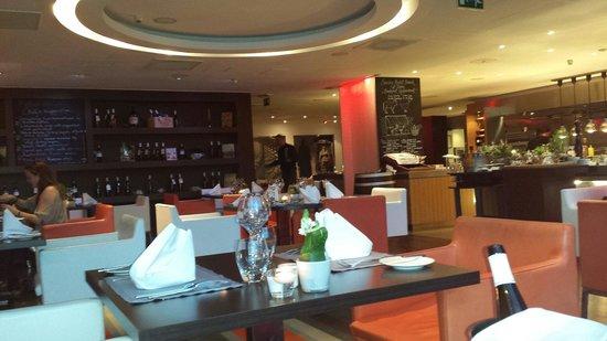 Sofitel Budapest Chain Bridge: Blick ins Restaurant