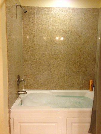 Blue Heron Beach Resort: jacuzzi baño matrimonial