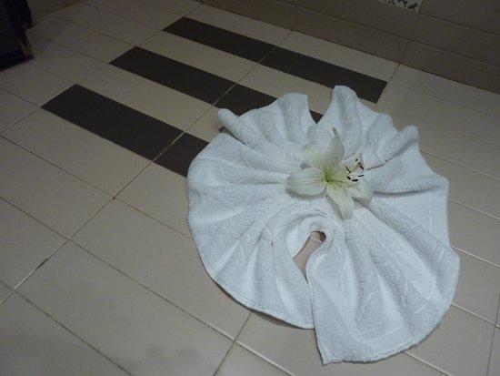 SENTIDO Rosa Beach : mooie bloem in de badkamer,met dank aan de poetsvrouw!!