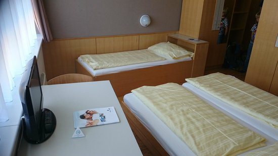 AllYouNeed Hotel Salzburg: third bed