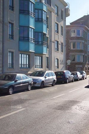 Escale Oceania Saint Malo : L'hotel vu de la rue