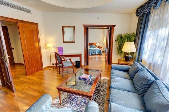 Ayre Hotel Astoria Palace : Salotto della Junior Suite Classic