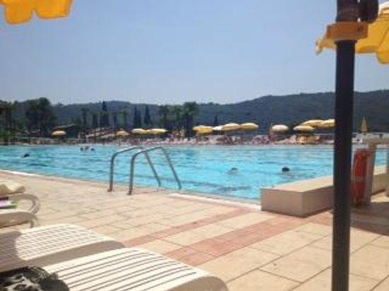 Poiano Resort Appartamenti: Olympic Sized Pool