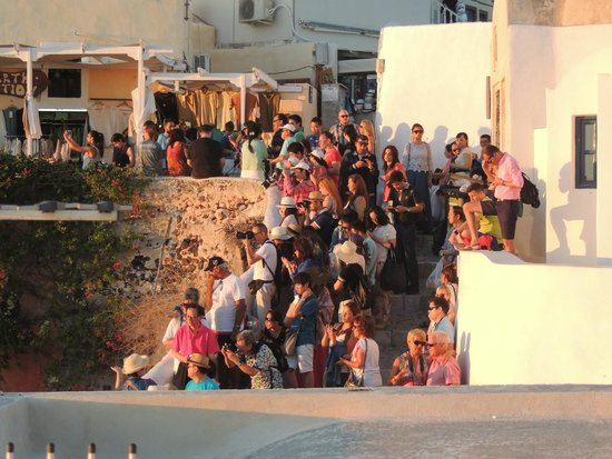 Sunset in Oia: Good luck getting through those stairs