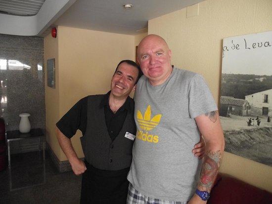 Hotel Perla: manuel the best waitor