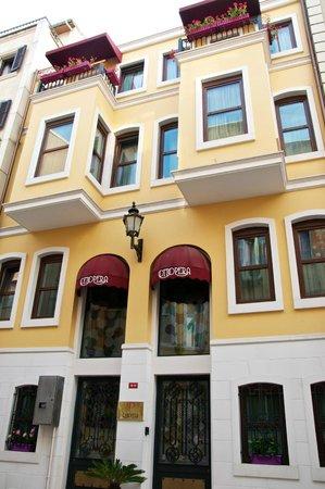 Exterior of Ottopera Hotel