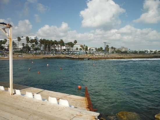 SENTIDO Cypria Bay : beach area next to watersports