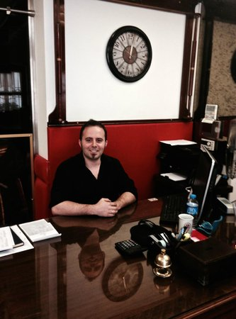 ottopera Hotel: Emre - very helpful and efficient at front desk
