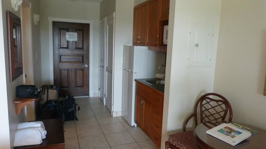 Royal West Indies Resort : suite kitchen area - small but adequate for snacks/simple meals