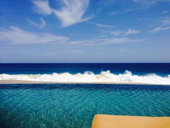 Grand Solmar Land's End Resort & Spa: Love sitting by the pool, overlooking the ocean