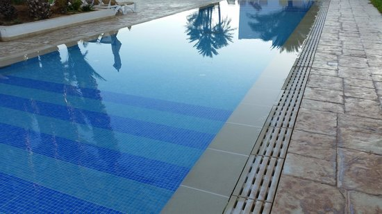 Seabel Rym Beach: La piscine des petits !