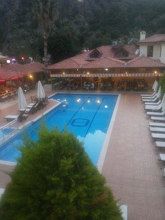 Hotel Oludeniz: бассейн